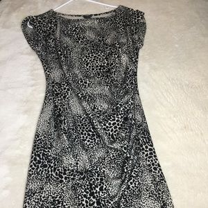 Knee Length Ann Taylor ruched knit dress
